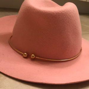 Joanne hat!